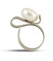 ONA - Silver ring with pearl.