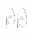 LOOPS - Silver earrings with pearls.