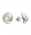 HULA - Silver earrings with pearls.