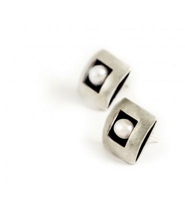 ÀGORA - Pendientes de plata interior esmaltado negro con perla.